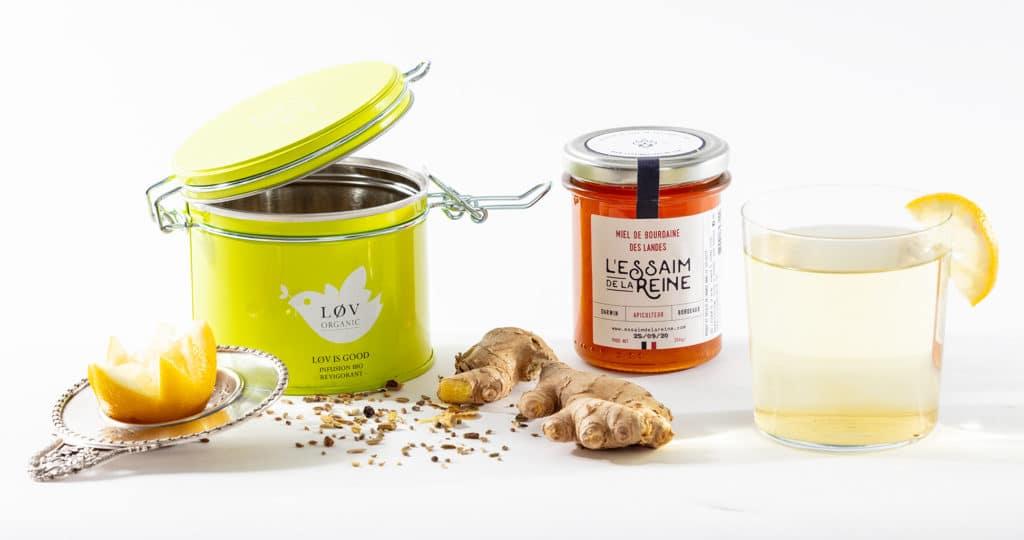 Infusion associée à du miel de bourdaine de l'Essaim de la Reine, un mélange subtil et épicé qui est parfait pour la digestion. Infusions et miels sont de très bons alliés.
